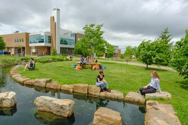 L'UdeS trône depuis 5 ans au classement des universités canadiennes dotées d'une faculté de médecine les plus appréciées des étudiantes et étudiants.