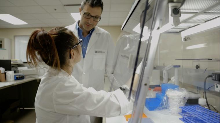 Le Pr Bouchard enseigne au Département de biochimie de la Faculté de médecine et des sciences de la santé. Il est aussi professeur-chercheur au CRCHUS et au CIUSSS du Saguenay-Lac-Saint-Jean.