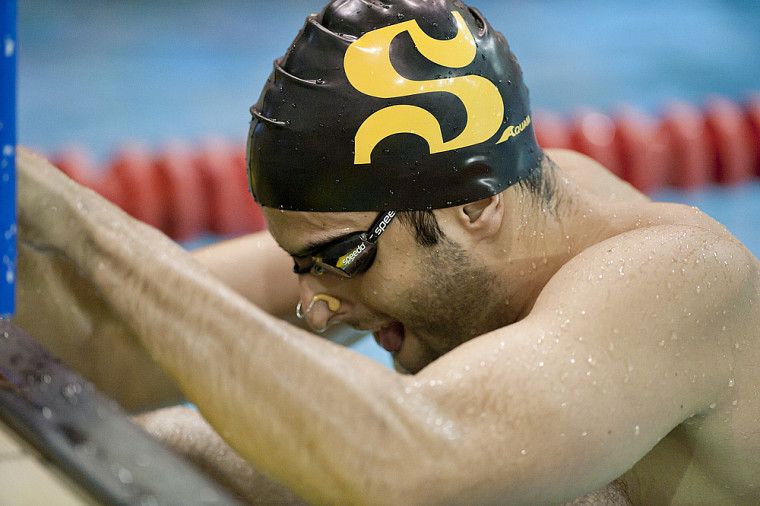 Le vétéran Mark Maizonnasse a connu une journée faste, samedi au championnat de natation du Réseau du sport étudiant du Québec.