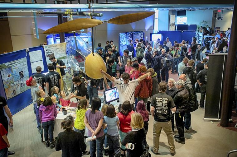 La 18eexposition Mécagéniale était l'une des deux expositions proposées par des étudiants de la Faculté de génie, les 4et 5décembre.