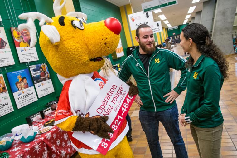 En utilisant Nez Rouge, on aide aussi les étudiants-athlètes du Vert & Or de l'Université.