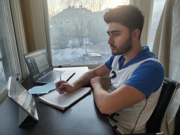À l'automne 2020, Yasser a débuté son parcours à l'UdeS.