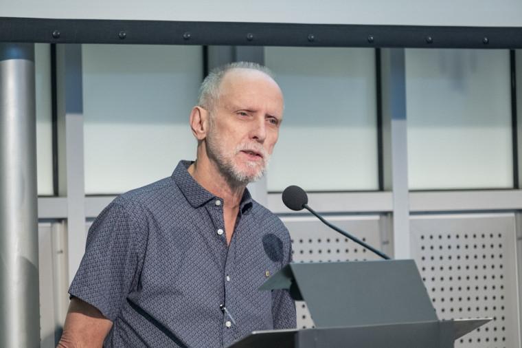 Professeur Jean Goulet, vice-recteur aux ressources humaines et aux relations internationales