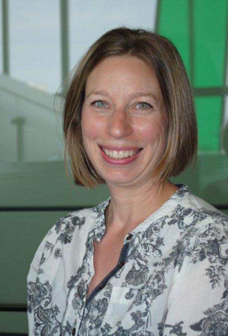 Pre Nadine Lanctôt, du Département de psychoéducation, titulaire de la Chaire de recherche du Canada sur le placement et la réadaptation des filles en difficulté.
