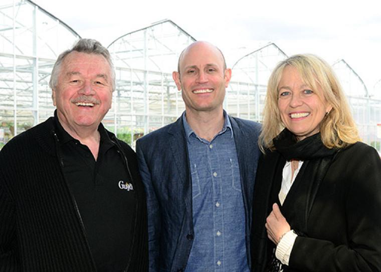 André Dion, propriétaire de la Ferme Guyon; Albert Mondor, enseignant en horticulture, et Denyse Rémillard, directrice du Centre universitaire de formation en environnement et développement durable de l'Université de Sherbrooke.