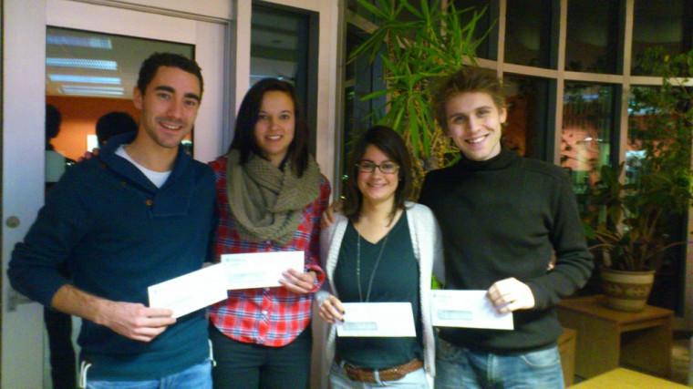 L es lauréats de l'équipe gagnante: Louis Leblanc, Manon Champeaud, Caroline Dupin et Adrien Zarantonello.Absente de la photo : Adama N'Galou Doukouré
