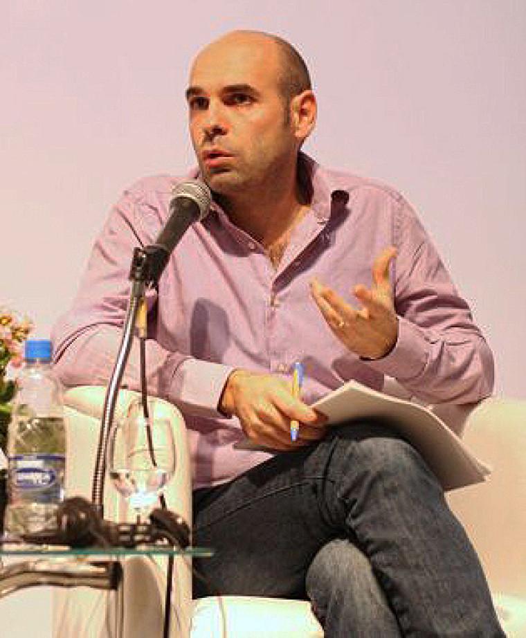Sébastien Charles, alors qu'il animait une conférence sur les malaises de l'hypermodernité au Brésil (2010).