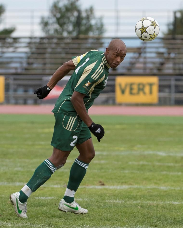 Le défenseurKalambayi Junias N'Goyi a disputé sa dernière partie à titre de porte-couleurs du Vert&Or dans une défaite de 2 à1 en demi-finale du circuit de soccer universitaire intérieur, dimanche à Lévis.