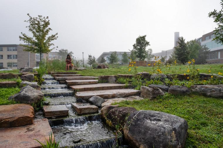 Un espace vert naturel de 17 500 m2,soit le magnifique Cœur Campus, a été aménagé en 2009.
