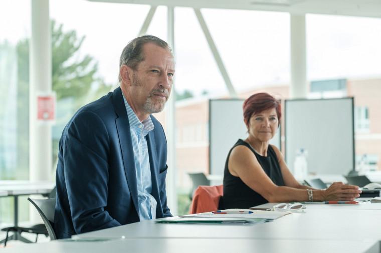 La négociatrice en chef pour le programme des ODD, madame Chantal Line Carpentier, et l'actuel directeur du Centre d'information des Nations unies, monsieur Robert Skinner, prochain responsable du Bureau des partenariats de l'ONU.