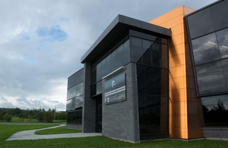 Le Centre de technologies avancées BRP-Université de Sherbrooke (CTA).
