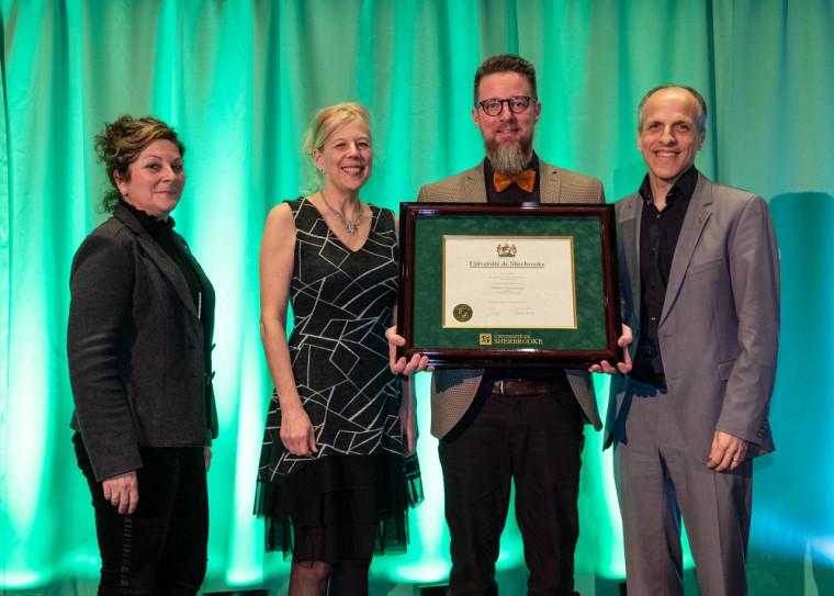 Tristan Landry, professeur d'histoire à la Faculté des lettres et sciences humaines, a été couronné lauréat de la Grande distinction en enseignement universitaire pour le volet «individuel».