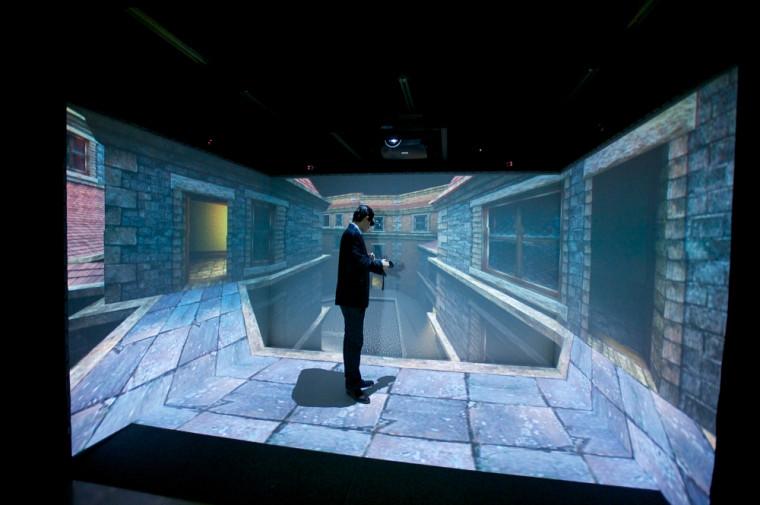 La voûte permet non seulement la visualisation immersive de scènes dynamiques, mais aussi une représentation spatiale de divers phénomènes dont la visite de lieux historiques.