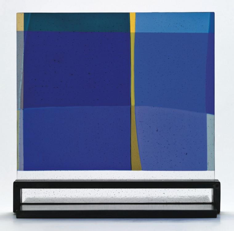 Voisins, œuvre d'Élisabeth Marier, fusion de verre de couleur, support d'acier.