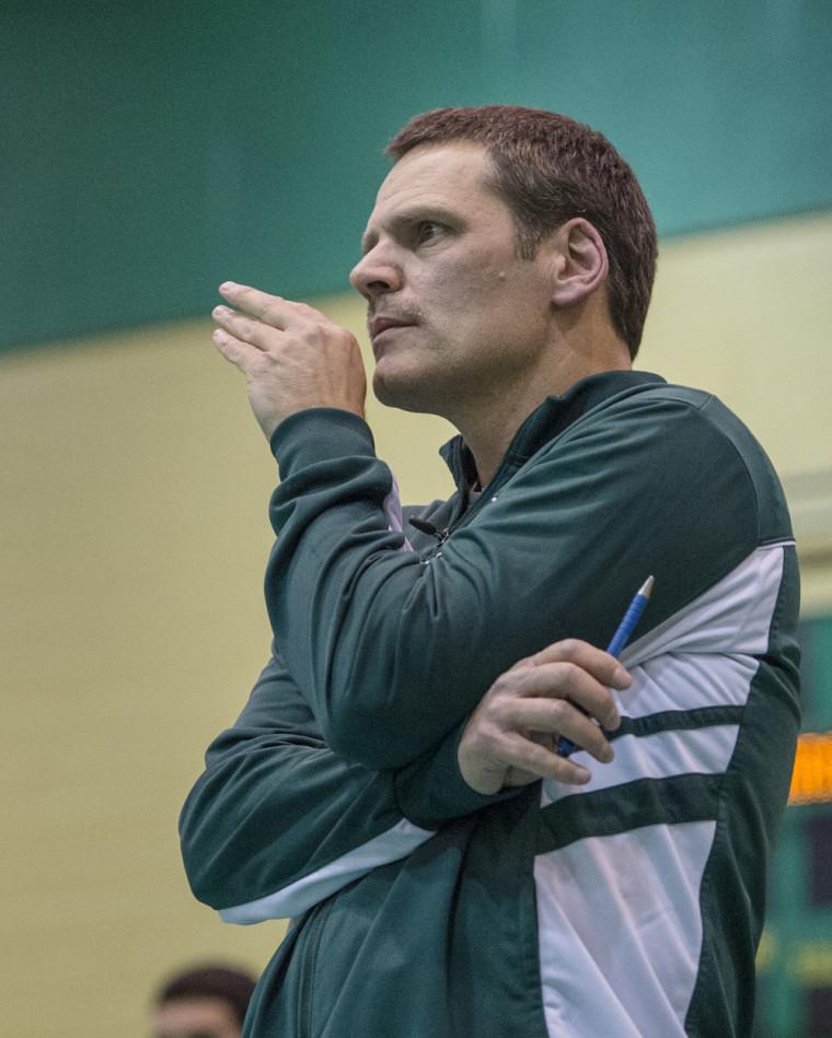 L'entraîneur de la formation masculine de volleyball Vert & Or, Marc Lussier.