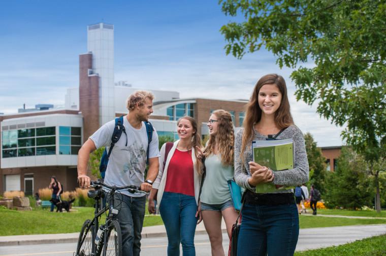 Les Portes ouvertes de l'UdeS : Une occasion privilégiée pour vivre l'atmosphère chaleureuse qui règne sur nos campus.