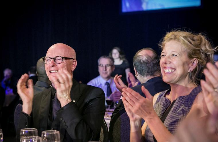 Paul-André Fortier et la Pre Christine Hudon, doyenne de la Faculté des lettres et sciences humaines, lors du Gala du rayonnement 2014.