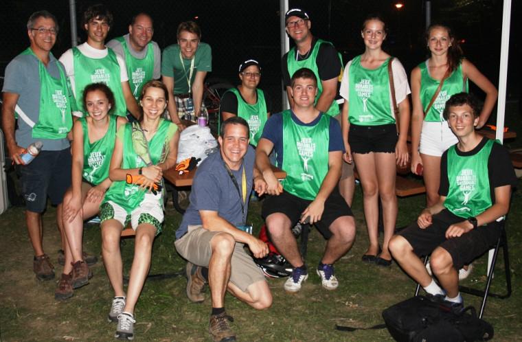 Quelques bénévoles de l'équipe verte Cascades, accompagnés de Patrice Cordeau et David Guérin.
