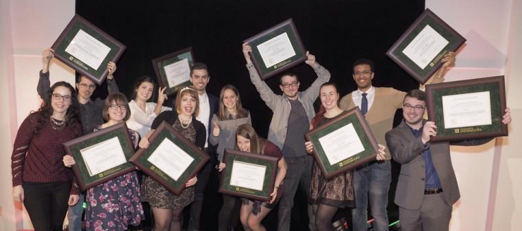 Quatre personnalités et cinq groupes ont reçu des prix d'honneur accompagnés de bourses de 500$ pour leur engagement étudiant.