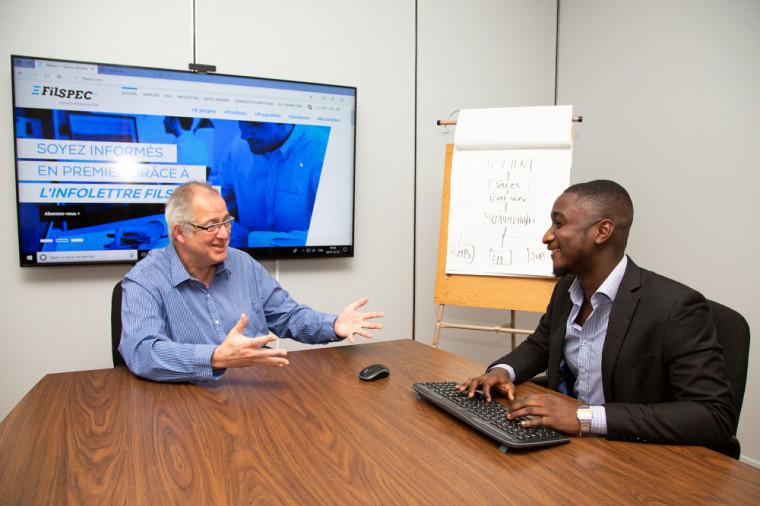 L'entreprise sherbrookoise Filspec, qui se spécialise dans la fabrication de fils techniques haute performance, a la chance de compter en ses rangs Abdel-Néjib SOUMAILA, un étudiant en informatique de gestion originaire du Niger.