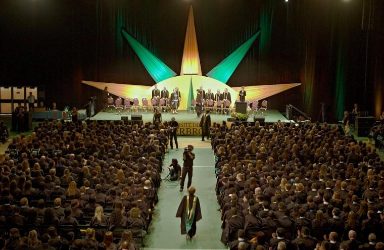 Plus de 10000personnes sont attendues à ce grand rassemblement qui soulignera l'accomplissement de près de 4000diplômées et diplômés.
