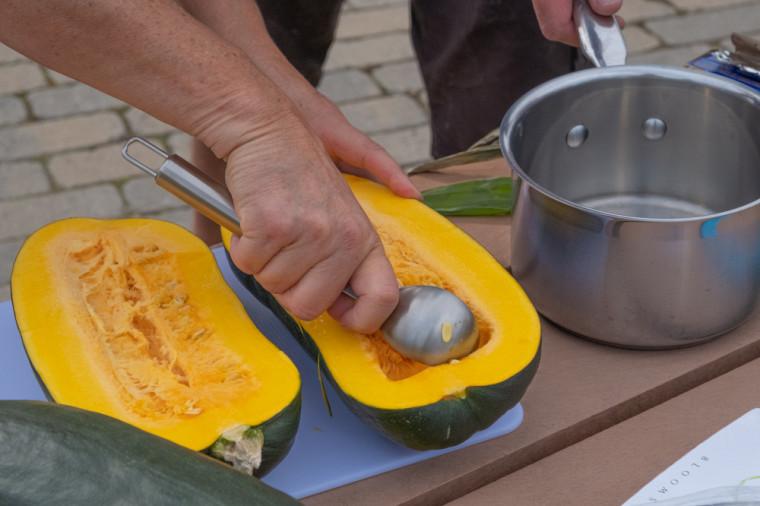 Un atelier de cuisine autochtone s'est tenu dans le cadre d'un cours en histoire du professeur Tristan Landry.