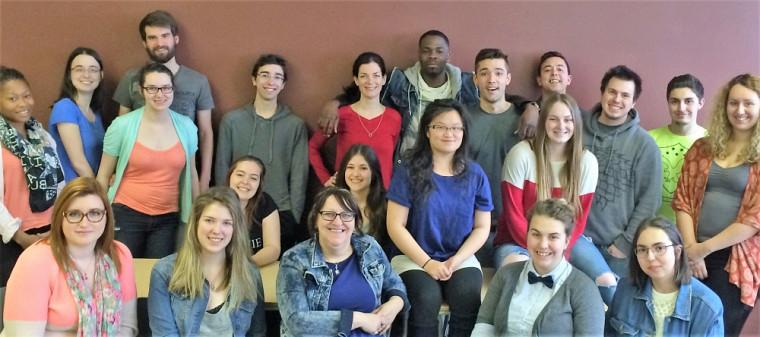 Le groupe d'étudiantes et d'étudiants en grande préparation pour leur stage en Haïti en mai prochain!