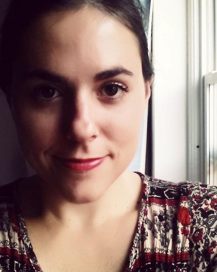 Paola Varutti, diplômée de la maîtrise en communication à l'Université de Sherbrooke.