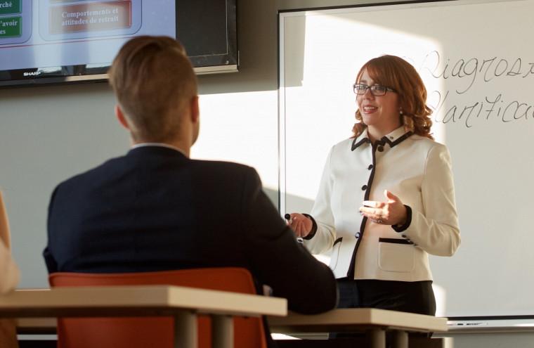 Nathalie Cadieux est professeure au Département de management et gestion des ressources humaines