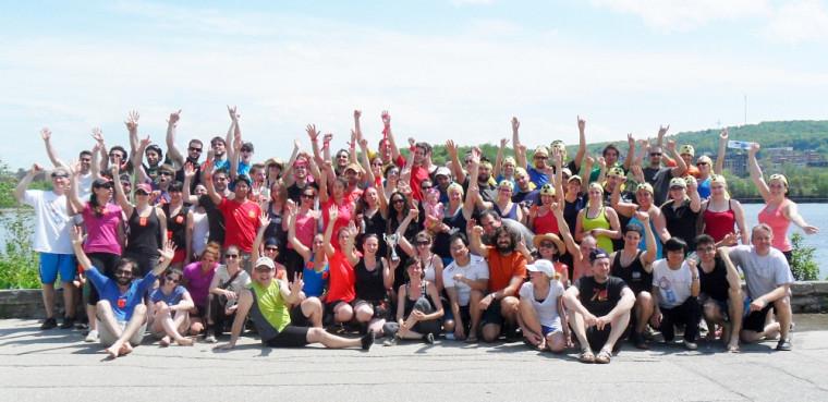 Les nombreux participants de la Faculté de médecine et des sciences de la santé à la Fête de l'eau.