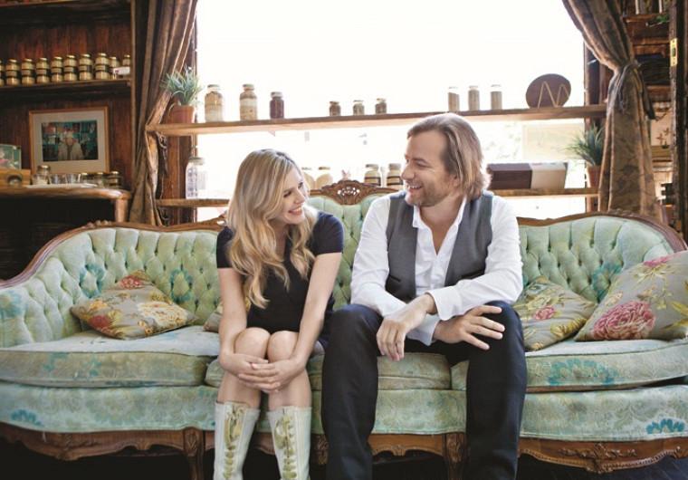 Compagnons sur scène comme dans la vie, Luc DeLarochellière et Andra Lindsay présenteront le 24octobre le spectacle C'est de l'amour ou c'est comme.