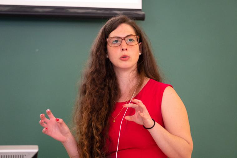 Ada Luna Salita, étudiante à la maîtrise en études françaises, cheminement en linguistique, à l'UdeS.
