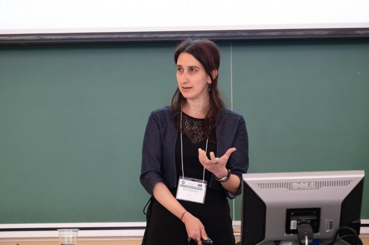 Mireille Elchacar, chargée de cours à l'UdeS et professeure de linguistique à la TÉLUQ.