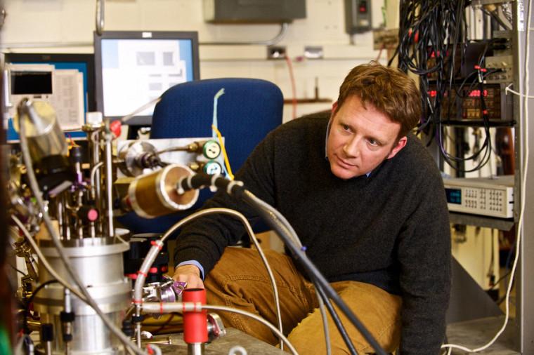 Le physicien Bertrand Reulet,codirecteur du LIA-LCMQ.