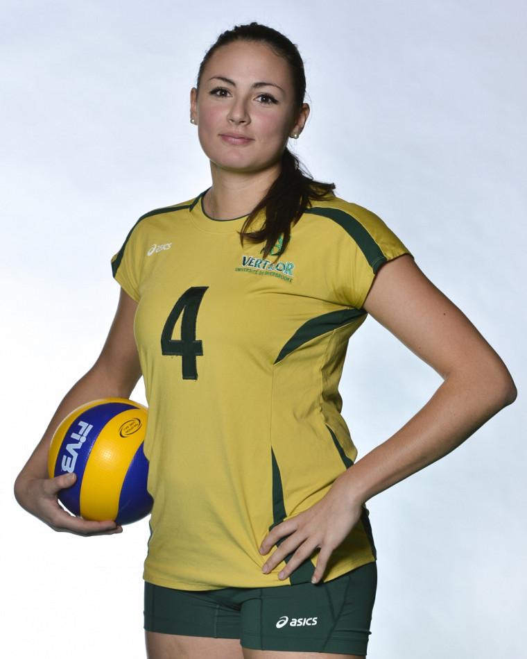 La joueuse de centre étoile de la formation féminine de volleyball Vert&Or, Roxane Hasseni.