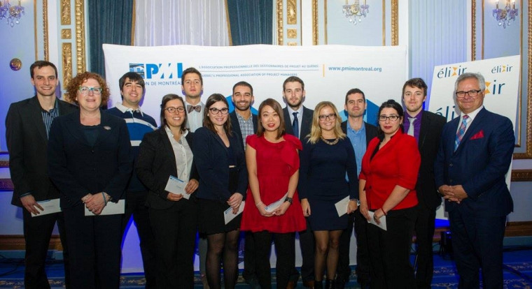 Récipiendaires 2015 des bourses d'études du PMI-Montréal. Andréanne est la 2e en bas à partir de la gauche.