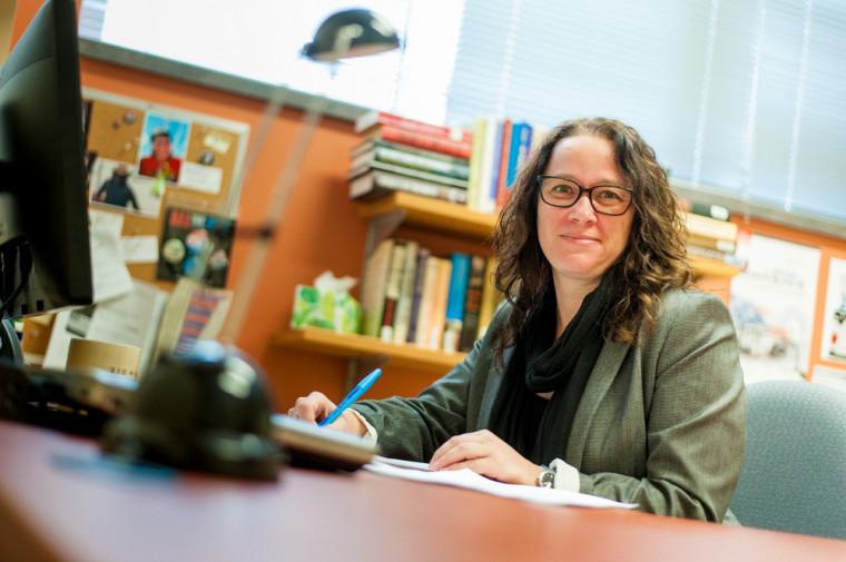 « On décèle aujourd'hui une hostilité envers l'expertise, ce qui vient miner la démocratie », selon la professeure Karine Prémont.