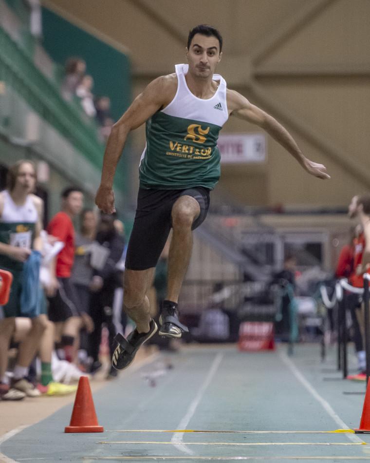 Patrick Hanna a dominé le triple saut masculin.