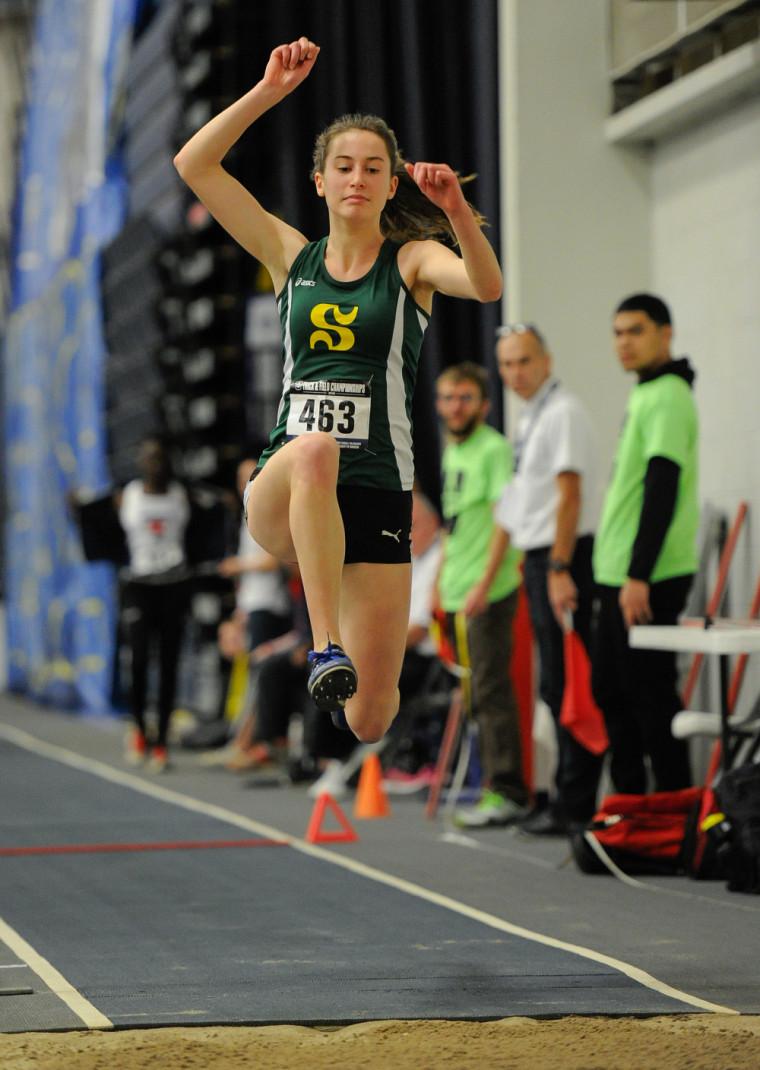 Marie-Ève Keifer du Vert & Or continue de progresser dans la hiérarchie du triple saut universitaire canadien.