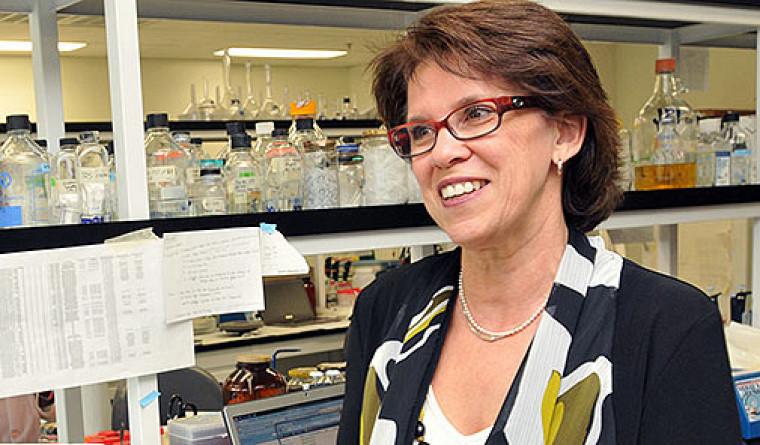 Luce Samoisette, rectrice de l'Université de Sherbrooke, lors de l'inauguration du Pavillon de recherche appliquée sur le cancer de l'Université de Sherbrooke.
