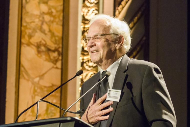Le juge à la retraite Albert Gobeil a livré un témoignage empreint d'émotion.