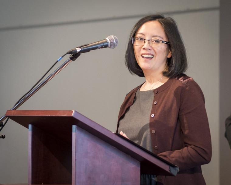 Anne-Marie Taravella, étudiante au doctorat en administration des affaires (DBA) lors de son vibrant témoignage.