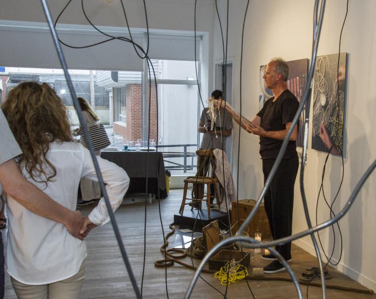 Vernissage de l'exposition des finissantes et du finissant 2017 du diplôme de 2e cycle en pratiques artistiques actuelles de l'Université de Sherbrooke.