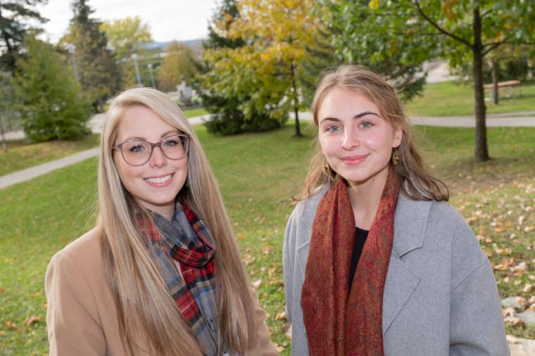 Catherine Laflamme à gauche et Amandine Gournay à droite.