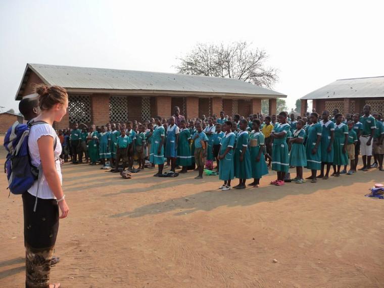 Visite d'une école primaire à Golomoti.