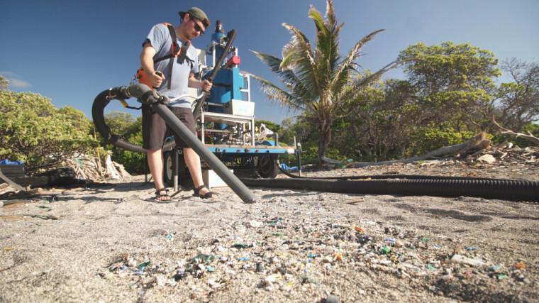 Les membres de l'équipe ont pu testé leur technologie à Hawaï, sur la plage Kamilo..