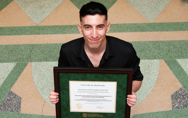 Ahmad El Ferdaoussi, représentant l'AIEUS, pour le prix Continuité.