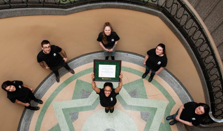 Ruche Campus, l'un des cinq groupes ayant récolté les honneurs du 37e Défi de l'engagement étudiant.