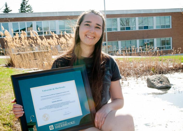 Isabelle Béliveau, étudiante en environnement et lauréate du prix Solidarité.