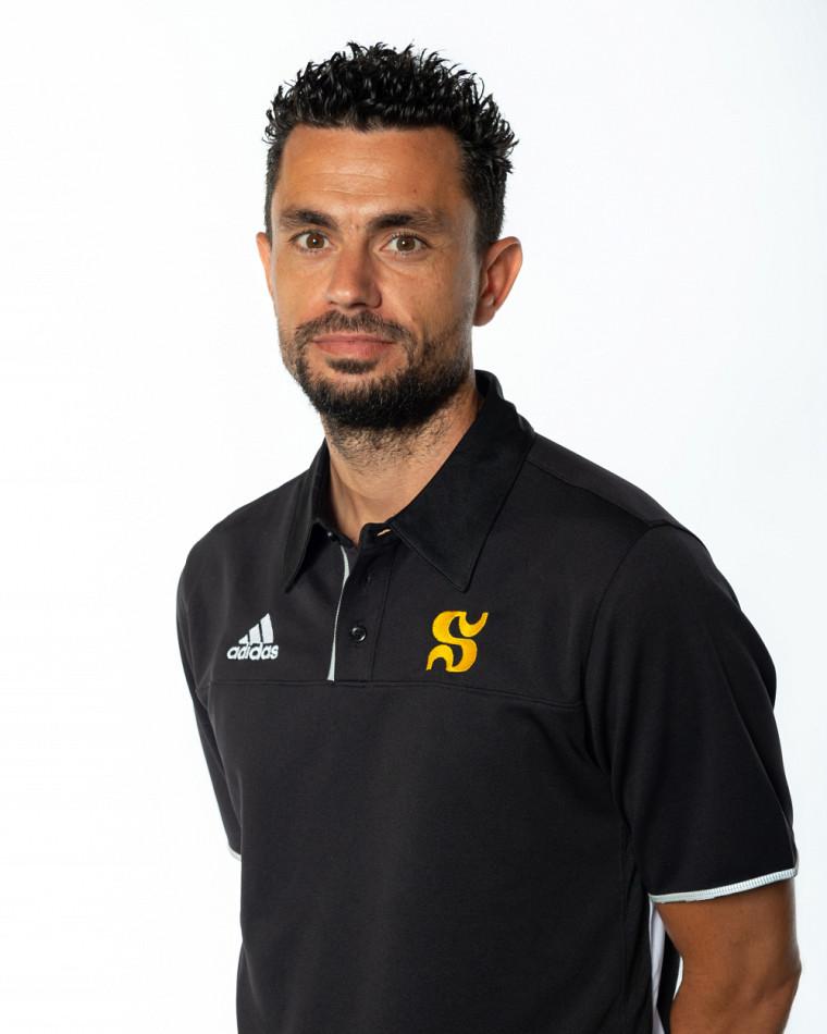 L'entraîneur-chef de l'équipe féminine de soccer Vert & Or, Tony Perrier.